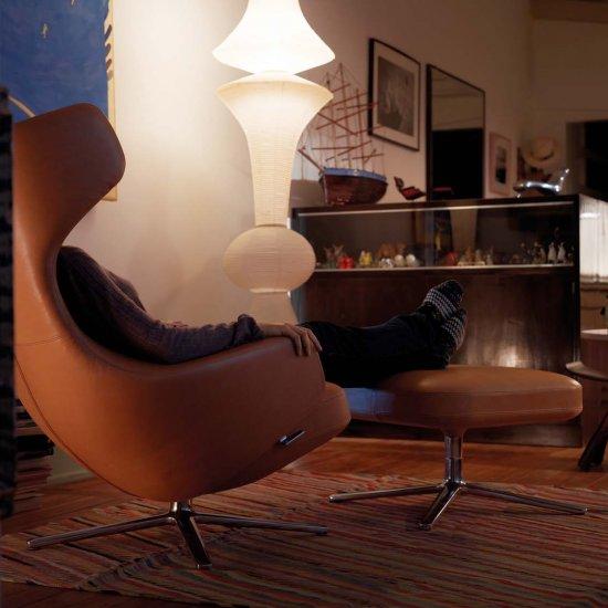 stolek-vitra-butterfly-stool.4