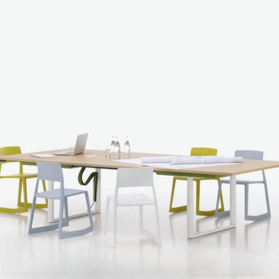 meble-biurowe-pracownicze-stoły-vitra-tyde-katowice-kraków-stół-konferencyjny