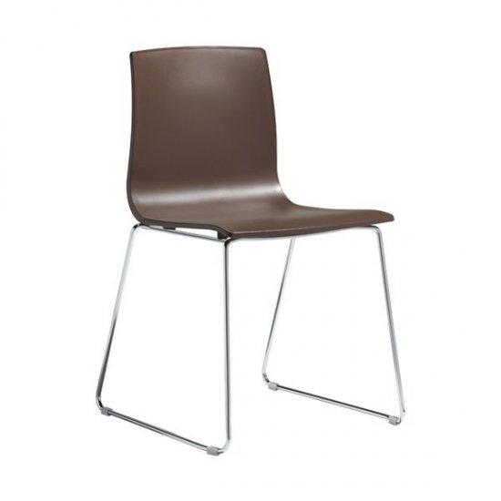 krzesla-dostawne-i-konferencyjne-scab-design-alice-sledge-frame.1