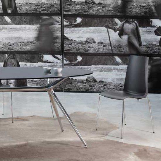 scab-design-krzesla-dostawne-i-konferencyjne-scab-design-manequin.2