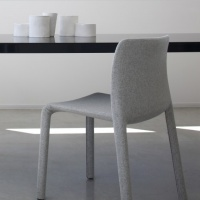 Magis_first_dressed_chair_ambient_mono_SD805_divinamel_120_01-1