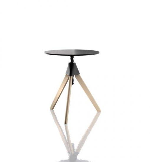 stoły-biurowe-magis-topsy