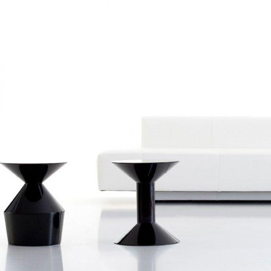 shape-stolik-kawowy-stolik-okolicznosciowy-viccarbe.1