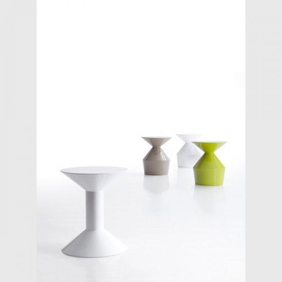 shape-stolik-kawowy-stolik-okolicznosciowy-viccarbe.4