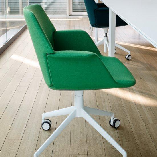 Uno-krzeslo-obrotowe-lapalma (4)