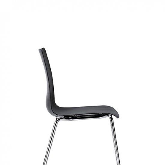Snike-krzeslo-do-kawiarni-i-strefy-socjalnej-inteerstuhl (2)