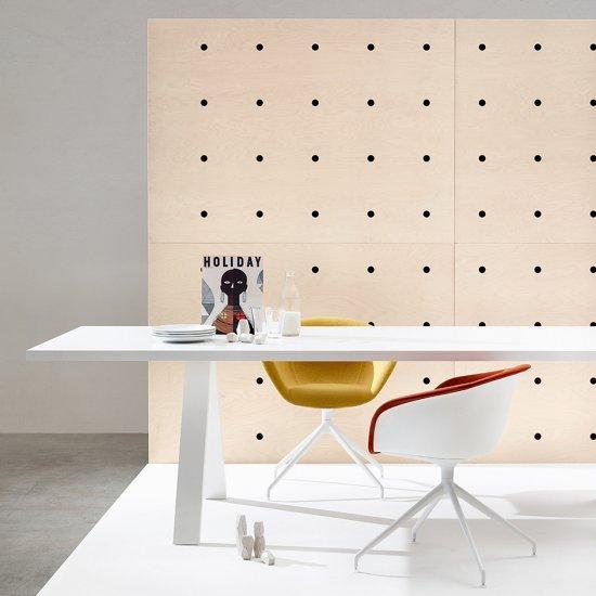 Cross-stoly-konferencyjne-biurka-Arper (7)