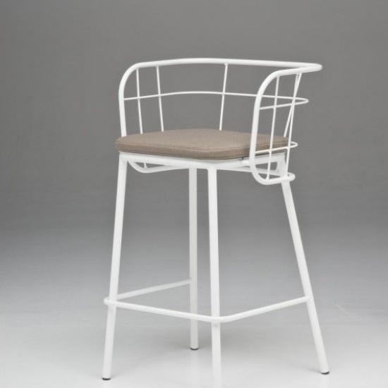 JUJUBE_chairs_and_more_hoker (2)