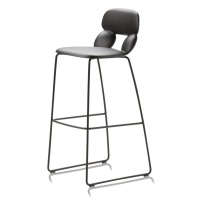 Chairs_and_more_hoker_Nube (1)