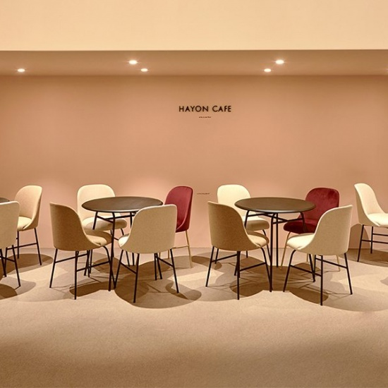 Viccarbe-Aleta-Table-by-Jaime-Hayon_stoly (1)