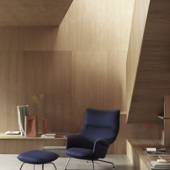 4056-doze-lounge-chair-and-ottoman-lifestyle-image