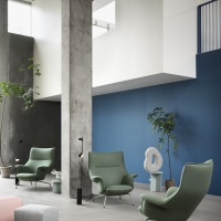 4055-doze-lounge-chair-lifestyle-image