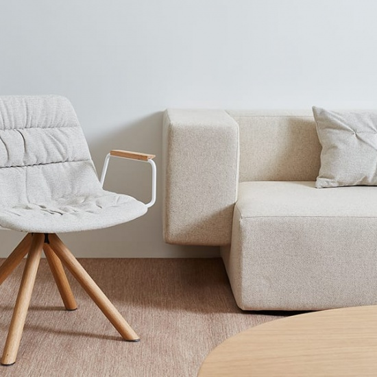 Viccarbe-Maarten-Lounge-Chair-by-Víctor-Carrasco_fotel (2)