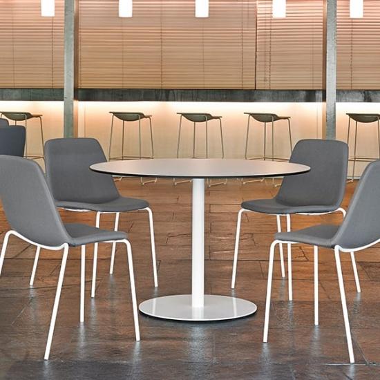 Viccarbe-Maarten-soft-chair_krzesla (4)