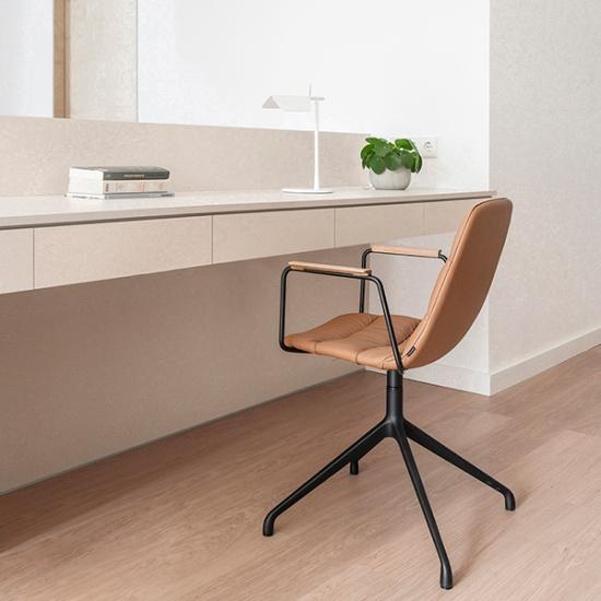 Viccarbe-Maarten-soft-chair_krzesla (8)