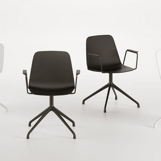 Viccarbe-Maarten-Plastic-by-Víctor-Carrasco-krzesła (4)