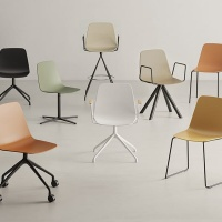 Viccarbe-Maarten-Plastic-by-Víctor-Carrasco-krzesła (1)