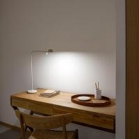 pin-lampa-na-biurko_vibia (1)