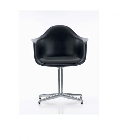 krzesło-biurowe-vitra-eames-plastic-armchair-dal-katowice-kraków-czarne