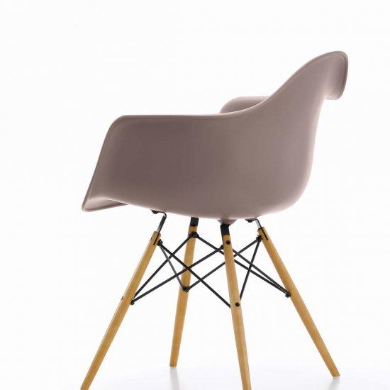 krzeslo-dostawne-krzesla-konferencyjne-eames-plastic-vitra-3